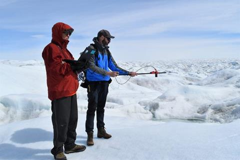 Marco Tedesco measures the intensity and spectra of sunlight reflected off of ice in West Greenland (Kevin Krajick/Earth Institute)