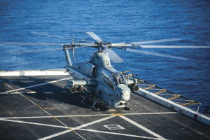 A USMC AH-1Z Viper prepares for takeoff aboard the USS Anchorage.
