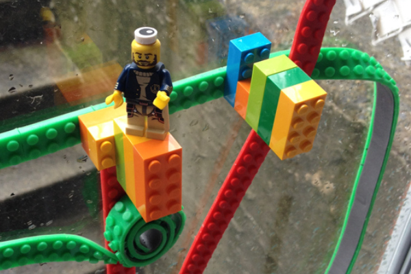 THE CREATION OF CROWDFUNDING SENSATION NIMUNO LOOPS, THE TOY BUILDING BLOCK TAPE