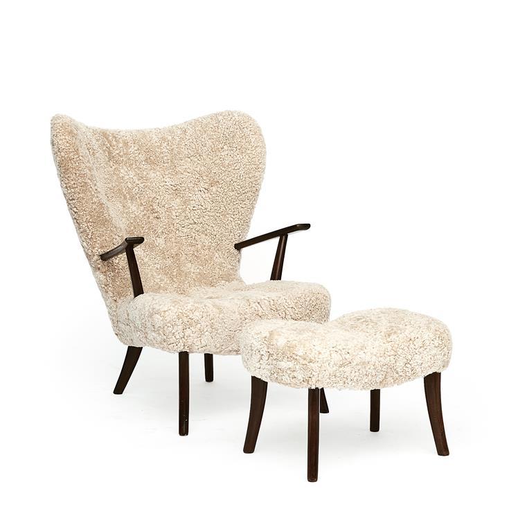 Pragh easy chair