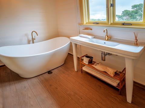 Bathroom in Steele Point Cottage at Nielsen Park, Sydney