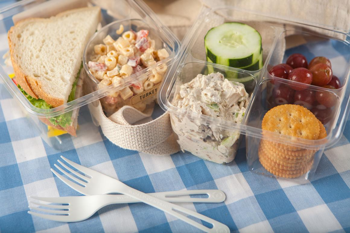 Turkey Sandwich with Mac and Turkey Salad lunchbox