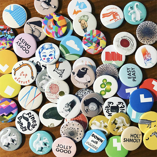 Selected button badge motifs