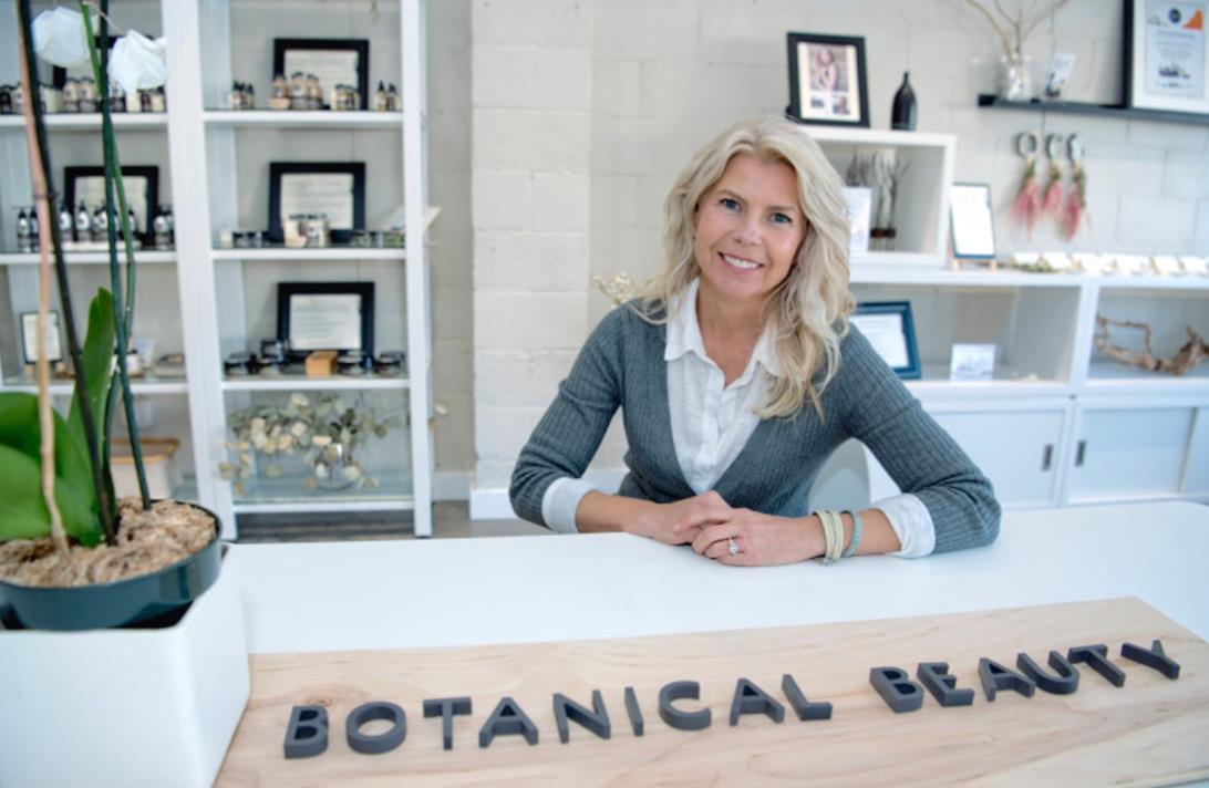 Qēt Botanicals Lisa Brill