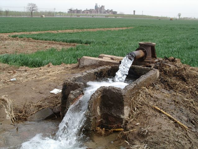 Ancient groundwater flows from a well in the North China plain during a 2004 field campaign to measure noble gases dissolved in the water. The abundances of such gases allow scientists to reconstruct past temperatures. (Werner Aeschbach)
