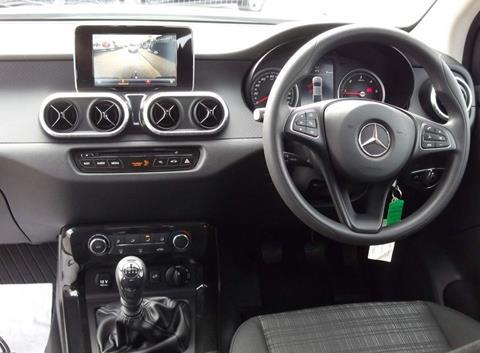 2018 Mercedes X250d dash