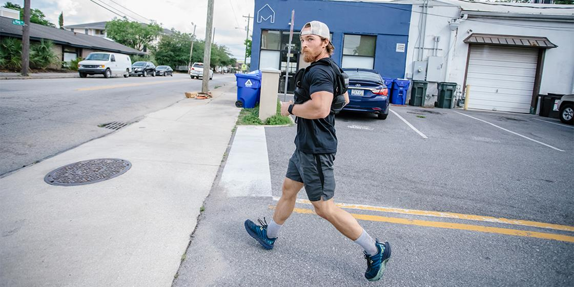 """CrossFitter Sets New World Record With 16 Rounds of """"Murph"""" in 24 Hours"""