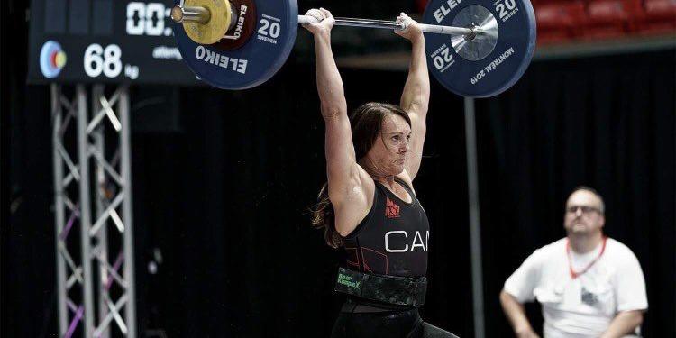 Meet 8-time CrossFit Games Qualifier Laurie Meschishnick