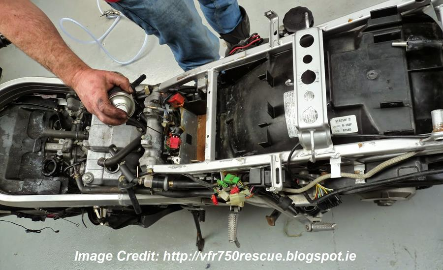 VFR750 Rescue