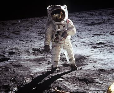 Moon mining for helium