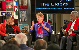 Gro Harlem Brundtland and Kofi Annan participating in a debate in Cape Town
